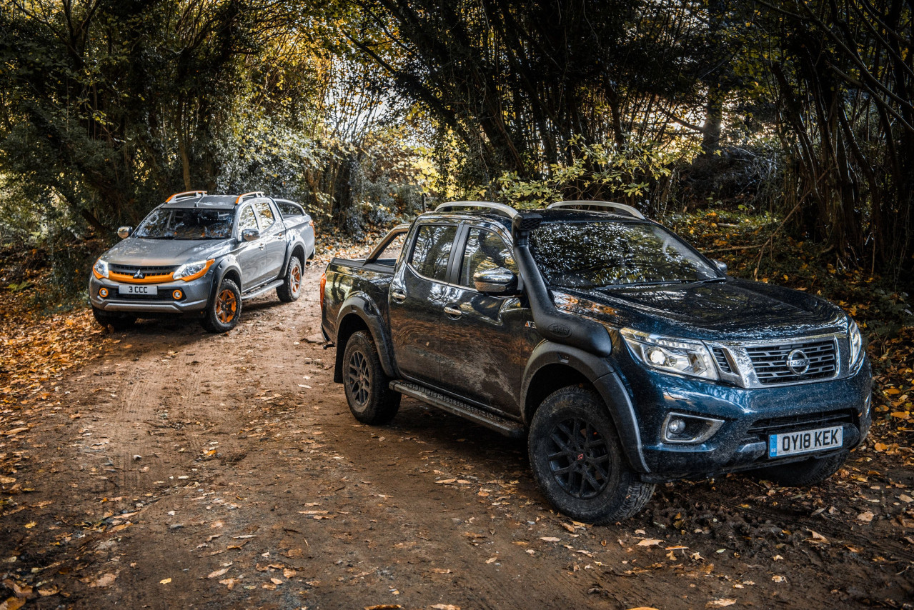 Twin test: Mitsubishi L200 Barbarian SVP II vs Nissan Navara AT32